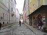 Тихая улочка с видом на Хоэнзальцбург , на которой мы жили.