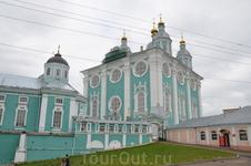Смоленск, Свято-Успенский собор. Одна из визитных карточек города