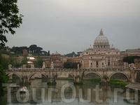 Вид с моста Святого Ангела на Собор Святого Петра