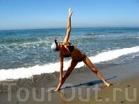 йога на берегу