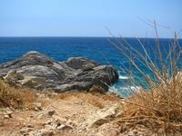 Все время нашего пребывания на севере Крита бушевал шторм. Поэтому нашим излюбленным местом купания было южное побережье. На фото - местечко Аммуди - закрытые ...
