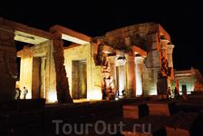 Единственный двойной храм Ком Омбо разрушен Нилом, землетрясениями и позже людьми