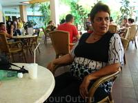 преподаватель из Гаваны со слезами поет русские романсы...пьет только водку и вспоминает шпроты