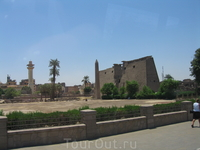 Солнечный двор Аменхотепа 3, Мечеть Абу-эль-Хаггага