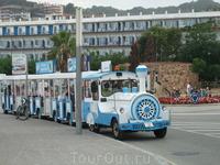 Тосса де Мар. Туристический паровозик