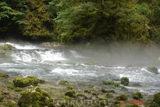 Форелевое х-во, горная река по дороге к скальному монастырю