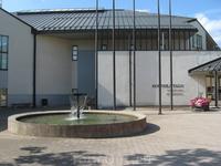 Я побывала на выставке картин художника Николая Щербакова-Тервакорпи и скульптора Лайлы Пуллинен.