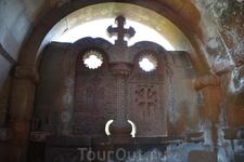 Церковь Сурб Гаянэ Находится к югу от Сурб Эчмиадзина. Построена в 630 г. по указанию католикоса Езра, на месте часовни, возведенной там, где, согласно ...