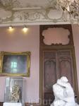 Первый этаж заполнен скульптурами мирового значения,говорить о них нет слов-знаменитый Роденовский ПОЦЕЛУЙ-(Le Baiser).