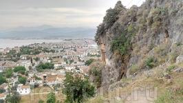вид сверху на г.Фетхие ( в 15 км от пос. Олюдениз) и другую гробницу