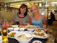 В ресторане Фуджи (просто великолепно, были в нем раза 3-4, в Бангкоке и на Пхукете)