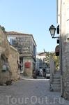 Старинные улочки Ле-Бо. В средние века здесь насчитывалось до 6000 жителей, сейчас их немногочисленные потомки живут за счет туризма.