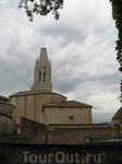 И снова красивый шпиль церкви, ближе заснять ее мне не удалось