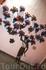 """Это называется:""""жадиньерки"""". Статуя поддерживает цветы в них постоянно, не уставая"""