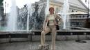 У фонтана в Александровском саду.