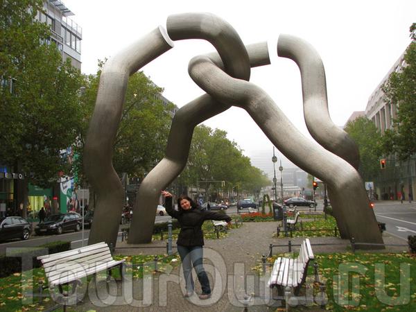 Памятник неизвестному сантехнику_Берлин