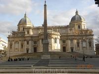 Церковь Санта-Мария-Маджоре. Принадлежит Ватикану.