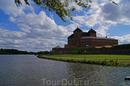 Город Хямеэнлинна возник как поселение около замка Хяме, построенного шведами в конце XIII века, расположенного у озера Ванаявеси.