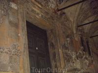 двери в аудитории видимо, тоже с 1922 года сохранились)