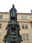 Возвращаемся на Кржижовницке намести или площадь Рыцарей креста, прощаемся с главным чехом - Карлом IV. Нам пора в аэропорт, домой. Замыкаем волшебный ...