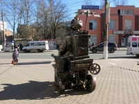 Скульптура Емеля на печи