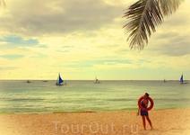 Гуляя по пляжу White Beach
