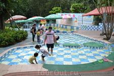 Зоопарк Китайская забава.Ловят мальков