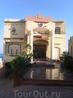 """Отель Сахара. Построен на холме в уникальном живописном месте под названием Gabal El Hareem, что означает """"женская гора""""."""