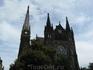 Интересное здание, мы несколько раз видели черный шпиль церкви издалека, но не знали, что там, пока не решили все же прогуляться поближе...