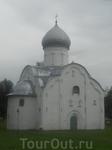 Власиевская церковь. Красоте время не помешает.