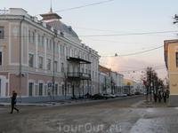 """Улица Андропова. Здание - бывш. гостиница Царьград. На этой улице и возле этого здания снимались сцены фильма """"Есенин"""""""
