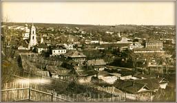 Таким был город Чебоксары в начале прошлого века. Слева Успенская церковь.
