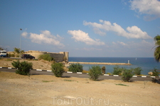 Один из редких ракурсов на Средиземное море. Вдали от шума и суеты.