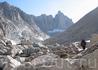 Ущелье, по которому намечен подход к пику Рассела и Уитни. Впереди озеро Арктическое.