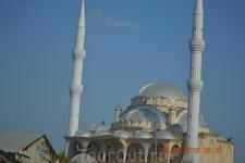 Двухминаретная мечеть в Манавгате