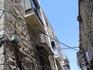 """Иерусалим.В древности люди боялись ночью выходить """"справлять нужду"""", для этих целей они использовали маленькие балкончики (если гид не пошутил...)"""