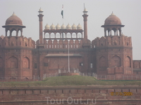 Красный Форт в Дели построен императором Шахом Яханом в 1639 году