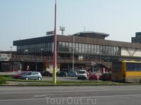 Вокзал в Трнаве (и зачем такой большой?)