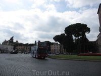 Открытый экскурсионный автобус.