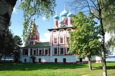 Это трагическое событие  (убийство царевича Дмитрия) потрясло Углич в 1591 году.