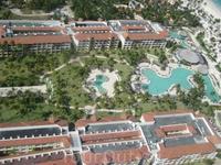 Now Larimar. Территория отеля. Отель принадлежит Американцам, их отдыхает большинство, русских 30%.