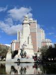 Plaza de España состоит из многочисленных зеленых насаждений, бассейна и большого монумента, Plaza Cervantes, который был сооружен в 1928 году. Он посвящен ...