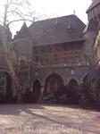 Среди построек: замок Вайдахуняд в Трансильвании, Якская часовня, крепость Шегешвара.