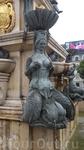 Вот такие русалки плещутся у фонтана в Батуми.