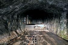 Говорят, бункер спроектирован американцами по заказу финов и построен в 1930-е годы как бомбоубежище. В советское время использовался как склад боеприпасов ...