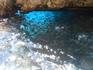 Грот голубой глаз. Здесь плавает куча мелких рыбок, и есть кораллы.