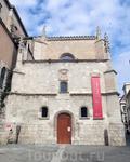 Вплотную к зданию церкви примыкает другое потрясающее здание, в котором сейчас находится Национальный музей скульптуры - El Colegio de San Gregorio. Все началось с того, что в XIII веке, во время прав