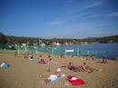 Пляж, он и в Африке пляж! Но тут такой вот, дикий. Лежаки и зонтики были в сезон (говорят). Но утром песок прочесан граблями.