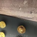 Старинные монеты, которым 2.5 тыс лет. Золото. Музей Израиля