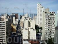 бетонный и не примечательный южноамериканский мегаполис